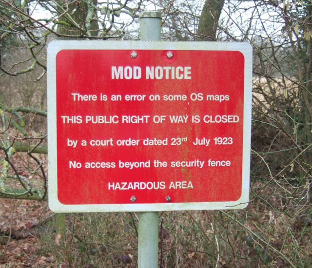 finally an MOD sign several miles away from Aldermaston - what no good were they up to in 1923? (besides occupying Iraq - nothing much changes)
