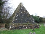 a pyramid is an unusual burial place in England