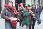 a band by the raodside to encourage the marchers on